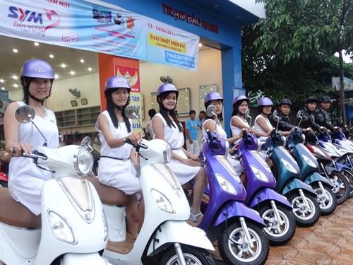 """Nhữngmẫu xe máy có màu sơn """"cực độc lạ"""" tại Việt Nam"""