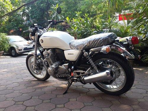 """Honda CB1100 EX 2015 hàng """"độc""""  ồ ạt vào Việt Nam"""