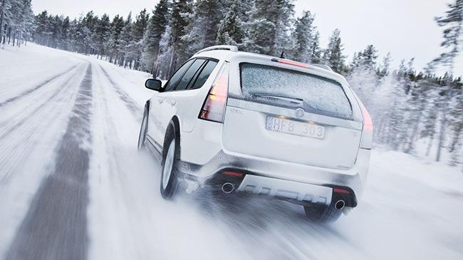 Các đồ dùng cần thiết cho người đi ô tô vào mùa đông